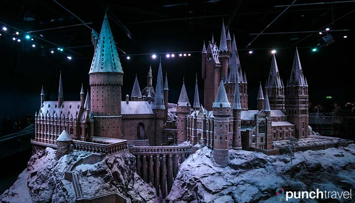 harry-potter-studio-tour-london-hogwarts-castle-model