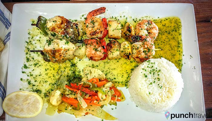 laylas-restaurant-saint-martin-seafood-brochette