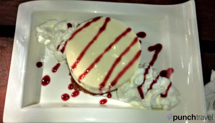 laylas-restaurant-saint-martin-cheesecake
