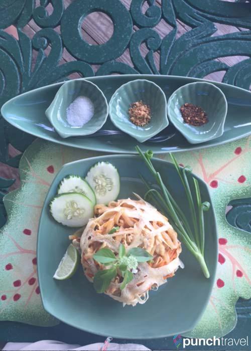 oasis-thai-restaurant-nevis1