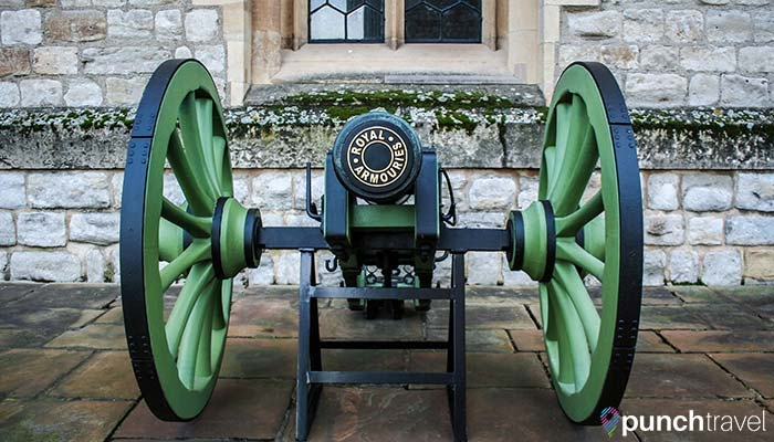 tower-london-cannon