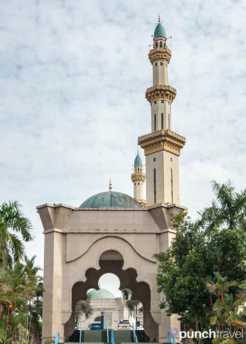 malaysia-federal-territory-mosque-exterior2