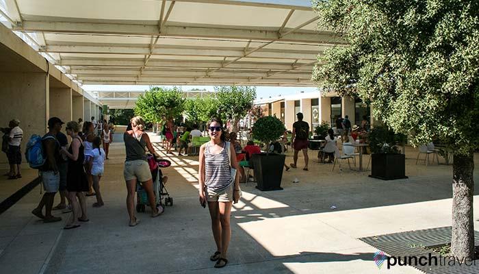 france-pont-du-gard-plaza