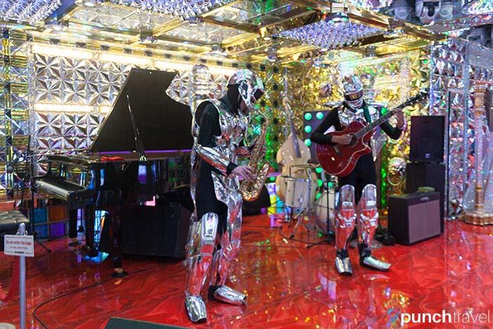 robot_restaurant_tokyo-7
