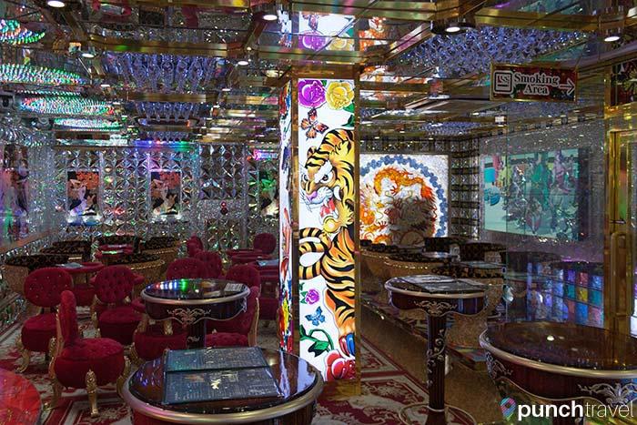 robot_restaurant_tokyo-9