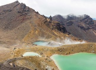tongariro_new_zealand-top