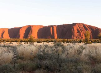 uluru_ayers_rock_australia-top